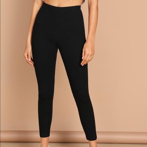 🆕High waist skinny yoga pants size 6